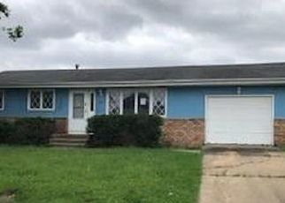Foreclosed Home in Cedar Rapids 52404 26TH AVE SW - Property ID: 4529362553