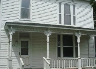 Foreclosed Home in Farmington 52626 S 5TH ST - Property ID: 4529378316