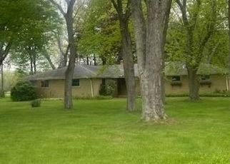 Foreclosed Home in South Bend 46628 MAYFLOWER RD - Property ID: 4529381383