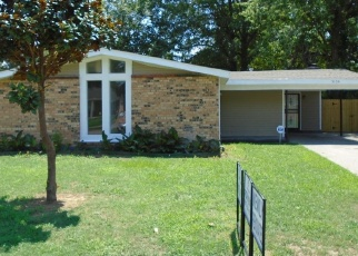 Foreclosed Home in Memphis 38109 LEONARD RD - Property ID: 850155877