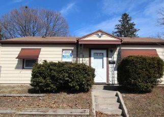 Foreclosed Home in Milwaukee 53218 W THURSTON AVE - Property ID: 997492959
