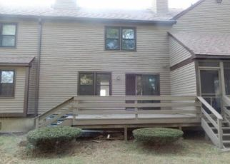 Pre Foreclosure in Monroe 06468 STILLMEADOW CIR - Property ID: 1000137879