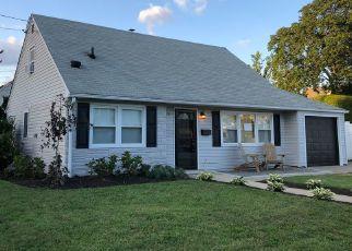 Pre Foreclosure in Merrick 11566 BUSHWICK AVE - Property ID: 1001537640