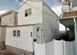 Pre Foreclosure in Far Rockaway 11693 E 6TH RD - Property ID: 1002605414