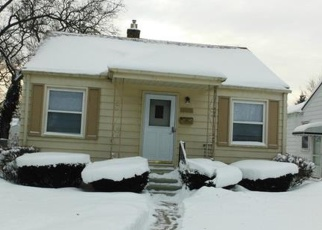 Pre Foreclosure in Harper Woods 48225 WOODLAND ST - Property ID: 1003818161
