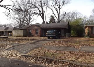 Pre Foreclosure in Memphis 38117 DEARING RD - Property ID: 1005084795