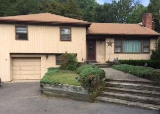 Pre Foreclosure in Bridgeport 06610 HOLLAND RD - Property ID: 1006423677
