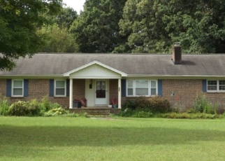 Pre Foreclosure in Pelzer 29669 WOODVILLE RD - Property ID: 1006992157