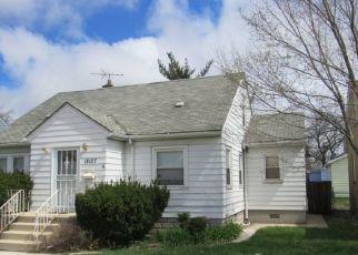 Pre Foreclosure in Lansing 60438 BURNHAM AVE - Property ID: 1012833870
