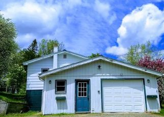 Pre Foreclosure in Lake Placid 12946 STATION ST - Property ID: 1015541414