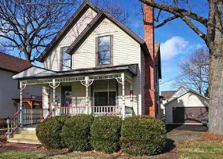 Pre Foreclosure in Downers Grove 60515 WARREN AVE - Property ID: 1015642141
