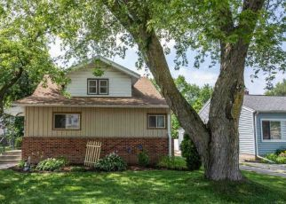 Pre Foreclosure in Waukesha 53188 RIVERVIEW AVE - Property ID: 1022572659