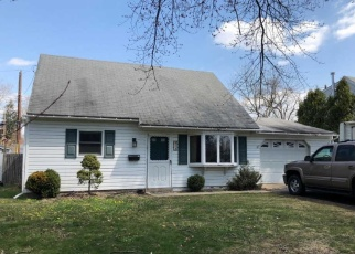 Pre Foreclosure in Hatboro 19040 FULMORE AVE - Property ID: 1023225678