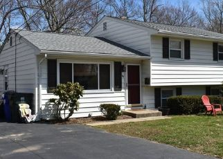 Pre Foreclosure in Fairfield 06824 YOUNGSTOWN RD - Property ID: 1033954728