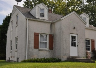 Pre Foreclosure in West Bend 53095 W PARADISE DR - Property ID: 1034636647