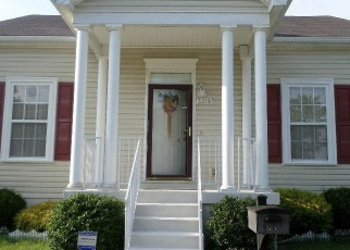 Pre Foreclosure in Louisville 40211 DUVALLE DR - Property ID: 1035352741