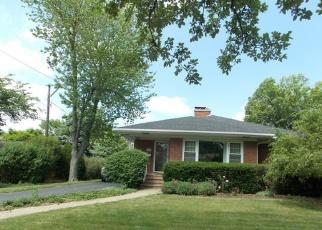 Pre Foreclosure in La Grange 60525 LEITCH AVE - Property ID: 1036044292