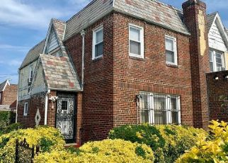 Pre Foreclosure in Queens Village 11429 209TH PL - Property ID: 1036167813