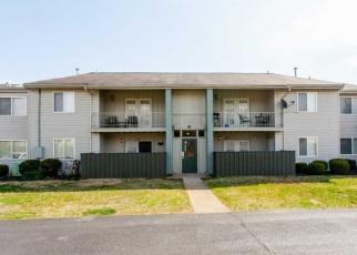 Pre Foreclosure in Louisville 40218 WISTERIA LANDING CIR - Property ID: 1036237893