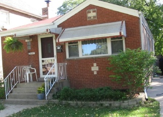 Pre Foreclosure in Bellwood 60104 WILCOX AVE - Property ID: 1037432231