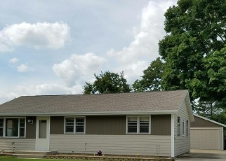 Pre Foreclosure in West Bend 53095 LINCOLN DR E - Property ID: 1038210962