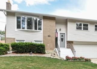 Pre Foreclosure in Oak Forest 60452 CALETTA TER - Property ID: 1038962969