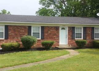 Pre Foreclosure in Shelbyville 40065 HOOPER STATION RD - Property ID: 1039903727