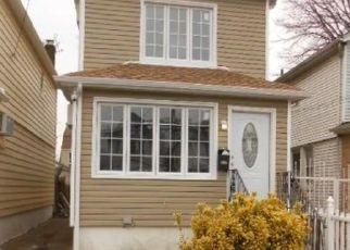 Pre Foreclosure in South Ozone Park 11420 135TH ST - Property ID: 1040132790