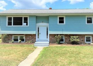 Pre Foreclosure in Middletown 10940 POLLY KAY DR - Property ID: 1042285422