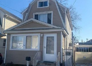 Pre Foreclosure in Queens Village 11429 95TH AVE - Property ID: 1042422962