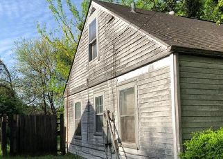 Pre Foreclosure in Louisville 40216 MODEL RD - Property ID: 1042862229