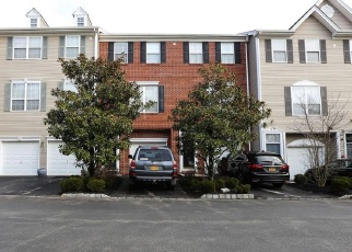 Pre Foreclosure in Nanuet 10954 MEADOW LN - Property ID: 1042956399
