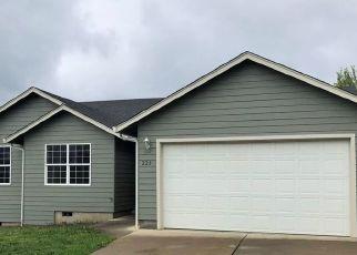 Pre Foreclosure in Roseburg 97471 ARMANDE LOOP - Property ID: 1043505624