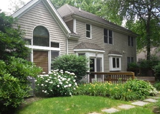 Pre Foreclosure in West Chicago 60185 LONG OAK DR - Property ID: 1044325958
