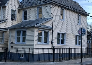 Pre Foreclosure in Jamaica 11435 LAKEWOOD AVE - Property ID: 1044803334