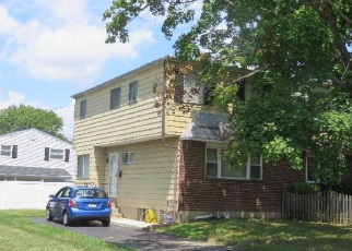 Pre Foreclosure in Abington 19001 BLUEJAY RD - Property ID: 1045080575