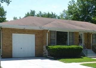 Pre Foreclosure in Blue Island 60406 MAPLE AVE - Property ID: 1046190846