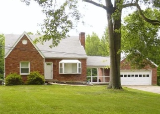 Pre Foreclosure in Louisville 40272 BLEVINS GAP RD - Property ID: 1046400183