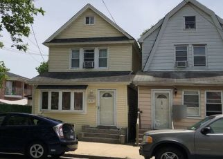 Pre Foreclosure in Fresh Meadows 11366 75TH AVE - Property ID: 1046497870