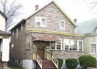 Pre Foreclosure in Chicago 60651 W IOWA ST - Property ID: 1047246350