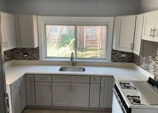 Pre Foreclosure in Bronx 10465 MILES AVE - Property ID: 1047658937