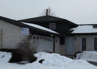 Pre Foreclosure in Hazel Crest 60429 OAKWOOD DR - Property ID: 1048172224