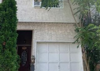 Pre Foreclosure in Staten Island 10304 SKYLINE DR - Property ID: 1048567280