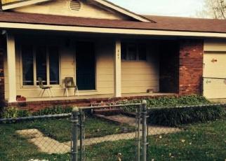 Pre Foreclosure in Benton 42025 MAPLE ST - Property ID: 1049320600