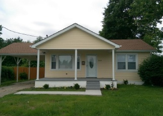 Pre Foreclosure in Louisville 40258 TERRY RD - Property ID: 1050394514