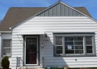 Pre Foreclosure in Cudahy 53110 E ADAMS AVE - Property ID: 1050951624