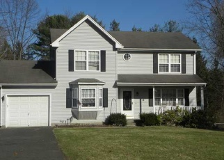 Pre Foreclosure in Windsor 06095 CASTLEWOOD - Property ID: 1051361562