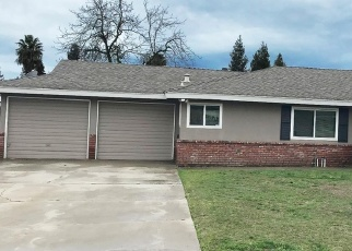 Pre Foreclosure in Fowler 93625 WALNUT DR - Property ID: 1052033862