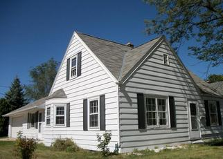 Pre Foreclosure in West Bend 53090 MONROE ST - Property ID: 1052929506