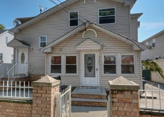 Pre Foreclosure in Bronx 10465 GIEGERICH PL - Property ID: 1052967162